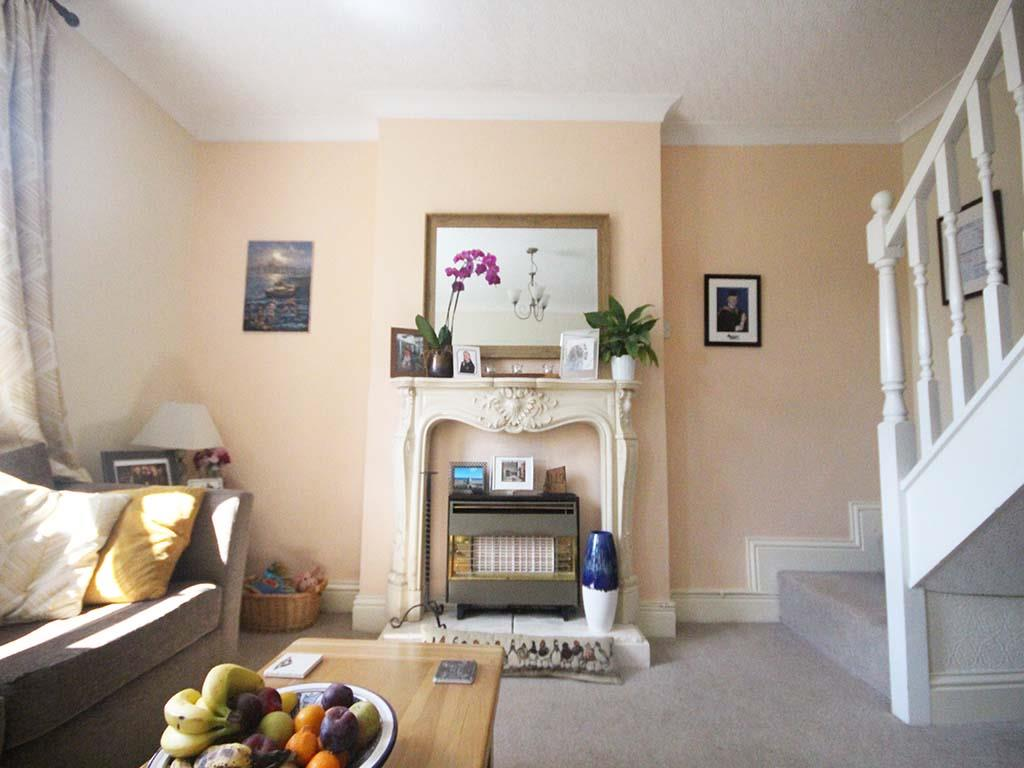 2 bedroom end terrace house For Sale in Winewall - IMG_7304.jpg